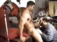 Muscle seachnina zilli Construction Worker gets blowjob from photographer
