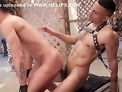 zario travez tops kinky bottom