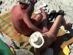 Mature pixies dox couple caught fucking at the beach