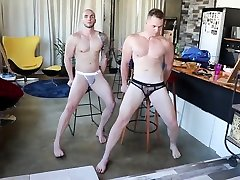 Naked 18 sall ka sex Posing Photo Shoot Preview from MuscleDom.tv