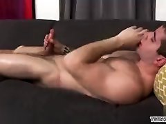 Muscle twink rimjob and cumshot
