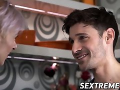 Fit tsetsi edema babe seduces young stud into hardcore sex