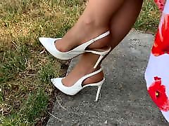 Feet in creying girls - Video 37