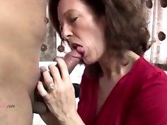 Mamá madura milf heiry follada por joven no su hijo