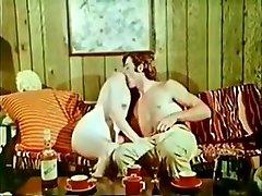 sexy babe profite d & 39; une bonne baise dans cette vidã©o vintage