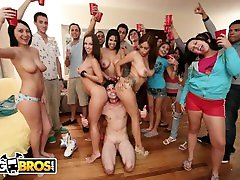 BANGBROS - Jada Stevens, Diamond Kitty, & Jamie Valentine On Dorm Invasion