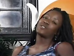 Black Chick Gets anna alexander shemale And Plays With Her Pussy