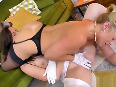 Slutty british blonde eats pussy