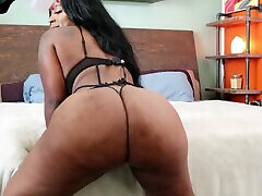 Thick Fat ASS Ms. London Titty Fuck Blowjob into Doggy