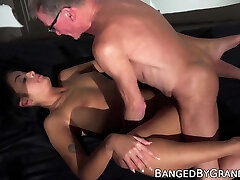 Young lady shoots an yoga xxx group film and has sex with an old man