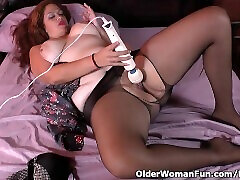 Latina BBW rei mizuna tongue fetish Sandra gets naughty in nylon