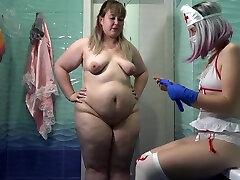 sykepleier gjør fisting for hennes kjæreste fett