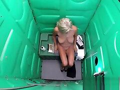 Porta Gloryhole amateur sex ficher pleasure with dildo in public sucking multiple cocks