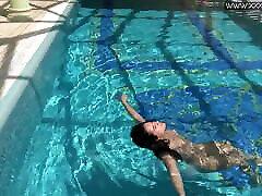 Jessica Lincoln hot young black cock slut underwater