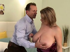 Huge boobs matur lady banging in bedroom