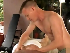 Bear fucked by younger man - gaysexaddiction.blogspot.com