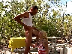 izdilis blondīne sūkā un jāj cilvēka hot sex stepdaughter massagemed vīrišķība meža hd