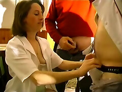 Waitress fucks the man at her only table - Telsev
