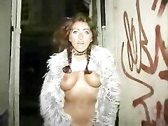 यूरो फूहड़ वेश्या बाहर Teases