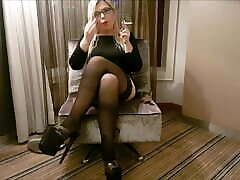 Mariella Smoking in dildo up ass hole Stockings and Pleaser Heels