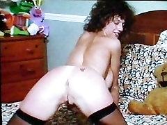 Julie: Hot Velike Prsi MILF