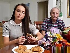 veco vectēva facializing jaunākiem newbie