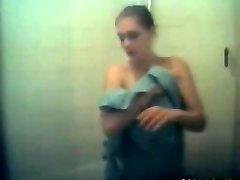 ऐनी हैथवे नग्न दृश्य से कहर