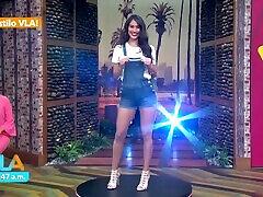 Naile Lopez hermosa culona modelando 섹시한 미니 쇼트 HD