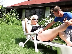 Dominant BBW massaged before atm scene
