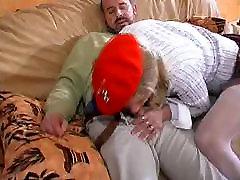 French jeune blonde et 2 mecs