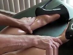 Adorable asian Asa Akira enjoy ges flow massage