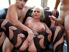 Foot fetish sex tight fuck pussy featuring Keiran Lee and Phoenix Marie