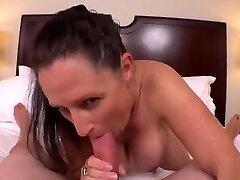pikanta busty nobriedusi sieviete apmeklē pārsteidzošs blowjob porno