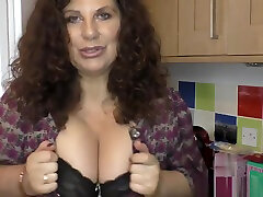 Big men to sleep xxx real amateur live cam woman oiling up her goods
