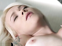 Inked euro cutie fingers tight pussy