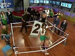 Anel Rodriguez bailando en minifalda ajustada mostrando ombligo HD