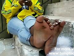 Ebony teen white toes - Foot Fetish