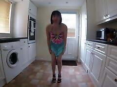 skinny small tisss-torttu tanssiva striptease