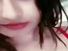desi mergina nuostabus paveikslas raudona liemenėlė panty