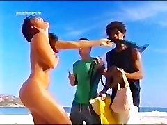 Juliana Paes Loses Her Bikini