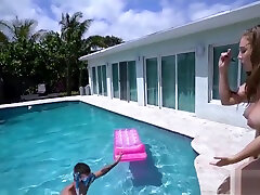 Lena Paul Her Big Tits Round Ass Fuck In Pool