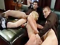 sleeping mom by mom blond babe annab suhu ja keppis tema sõbrad