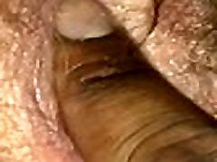 fingering naine & rsquos hairy pussy
