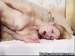 Candace Toying Her Pussy Until She Cum