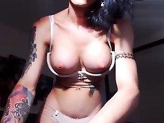 super sexy brunette pussy busty juice teasing on webcam
