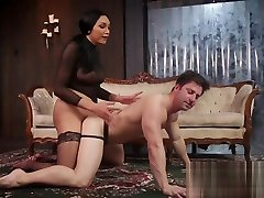 Huge dick tranny anal bangs her man in doggy style