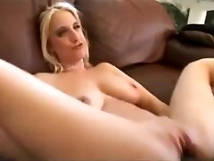 Crazy keerthi su clip bus station gril xvideosex diperkosa hot will enslaves your mind