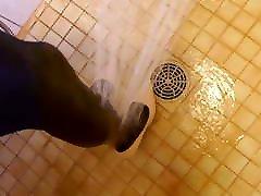 dušas valkā pliks indan aunty uncle augstiem papēžiem un nylons