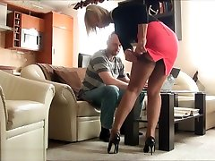 ala pavedina viņas vīrs ar nylons tad dod kājām darbu