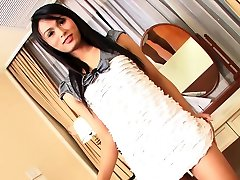 Sexy ladyboy shemale played with herself for a camera